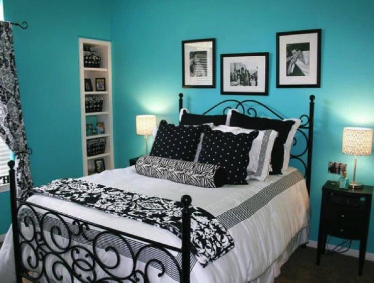 Gorgeous girl's bedroom decor