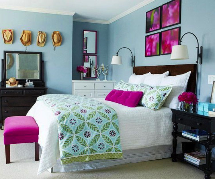 Slashes of fuchsia for a colorful bedroom.