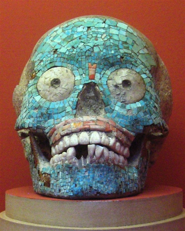 Mixteca-Puebla Style Mosaic Scull Artwork.