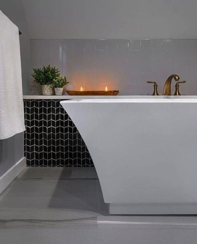 Modern warmth and earthy luxury bathroom tile design