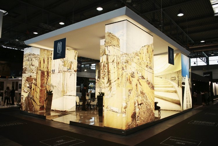Illuminating visuals of a stone canyon, the birthplace of much stoneware at Marmomac 2019