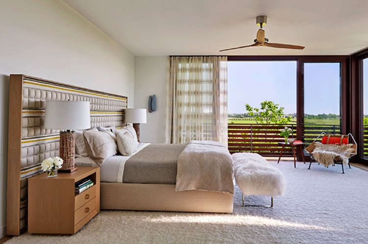 A beautiful bedroom decorated in accordance with Feng Shui.