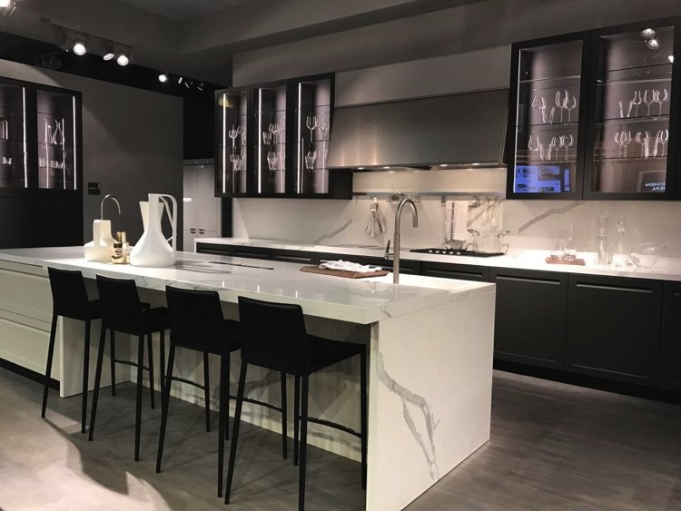 Black and White kitchen designed in accordance to Feng Shui.