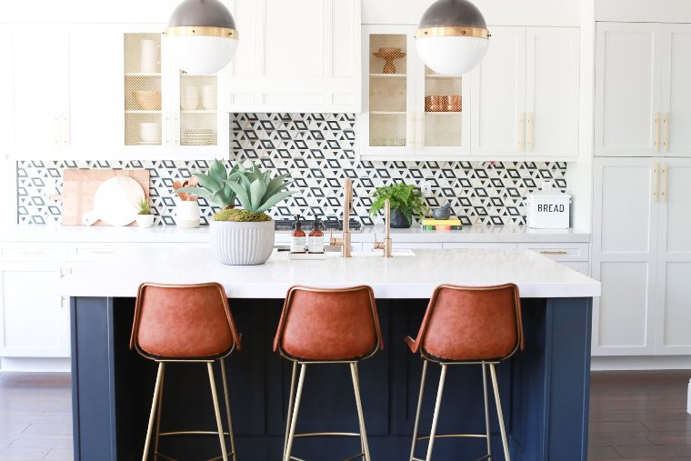 Gorgeous kitchen mosaic backsplash