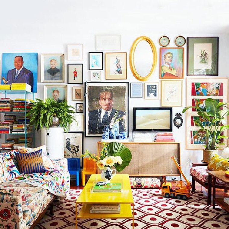 Maximalist interior design living room.