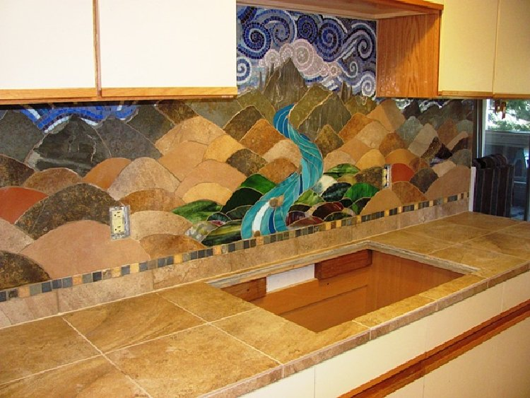 Rustic tones kitchen mosaic design make a beautiful backsplash