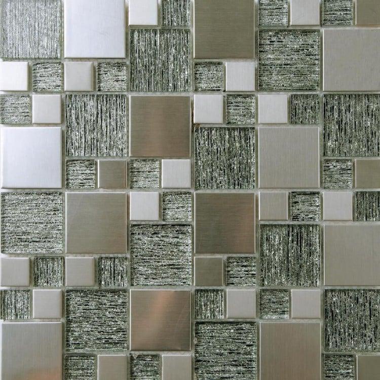 Subtle grey asymmetric mosaic tiles.