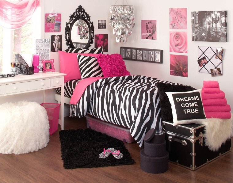 Flashy pink in bedroom
