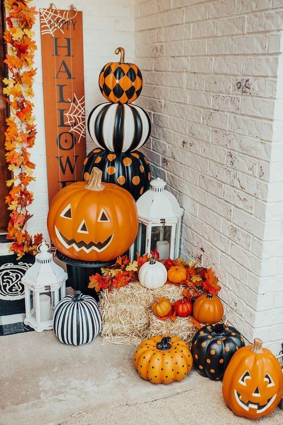Pumpkin Halloween home decor. Interiors Halloween Decor