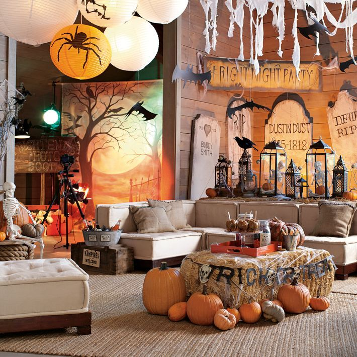 Living room movie inspired halloween decor. Home decor halloween ideas.