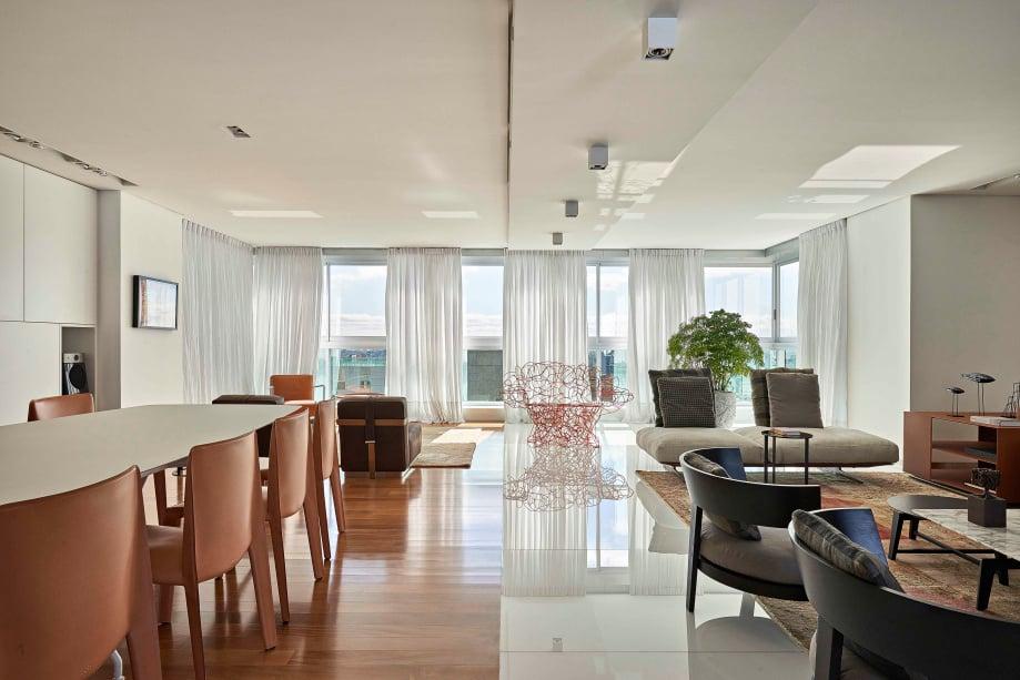 open concept floor interiors