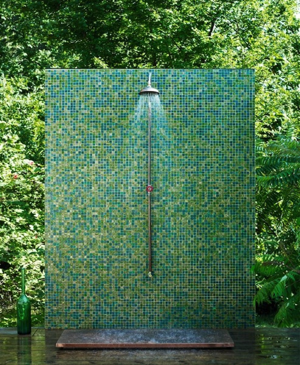 Pool tile mosaic design provided by Mosaics Lab on mosaicslab.com