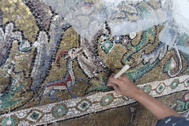 custom-made contemporary mosaic design provided by Mosaics Lab on mosaicslab.com